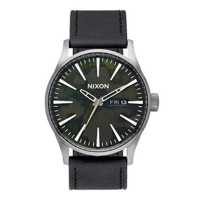 Reloj Nixon de color verde oxidado