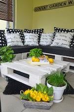 DIY Lounge aus Paletten