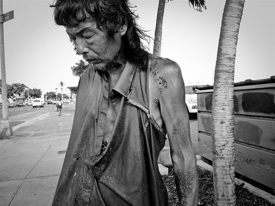 Diana Kim started to document the homeless in 2003 -  After 10 Years Of Photographing Homeless People, Photographer Discovers Her Own Father Among Them