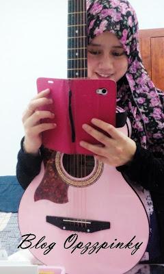Aku dan Gitar Pink
