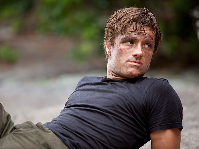 Peeta The Hunger Games 2012 movieloversreviews.blogspot.com