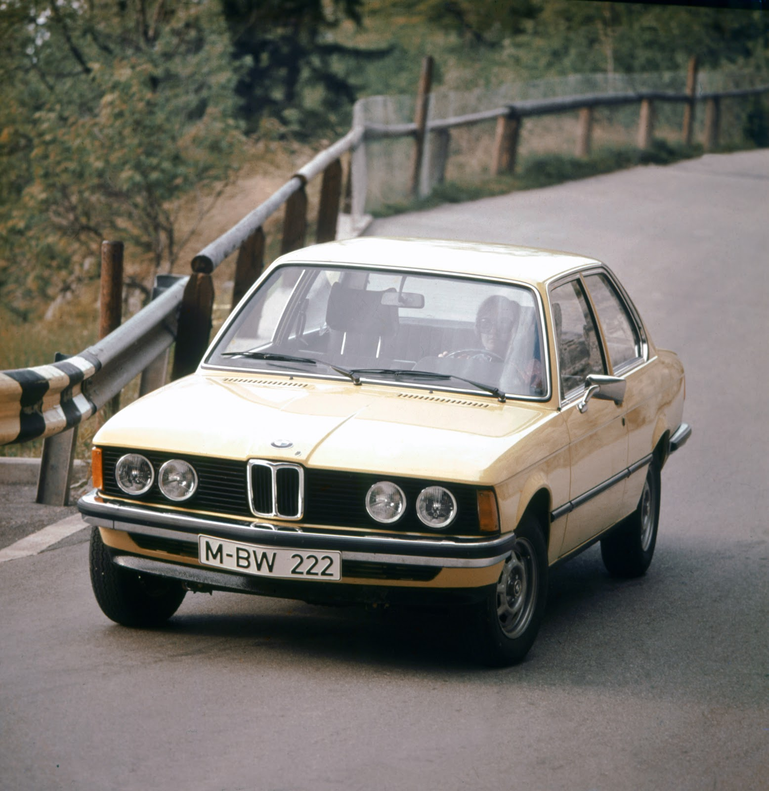 Bmw 3 Series Generations: 0 To 62mph. OFFICIAL.: 5 Generations Of BMW 3-Series