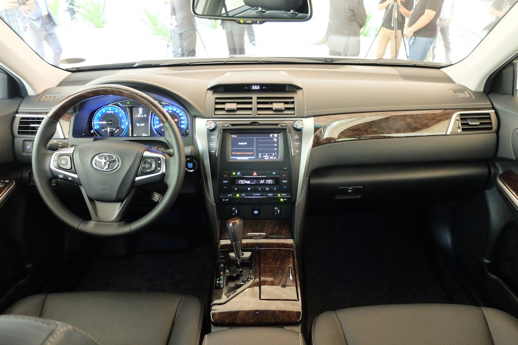 New 2015 Toyota Camry Aims to Set Benchmark Once More (w ...