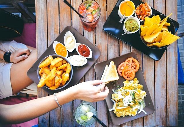Makan Dengan Perlahan