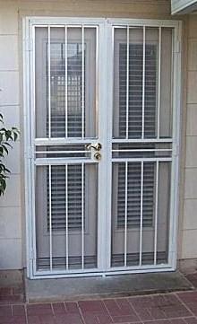 Herreria en general las 24 hs puerta reja for Puertas corredizas de herreria