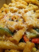 Vegetarian Rigatoni with red pepper and zucchini