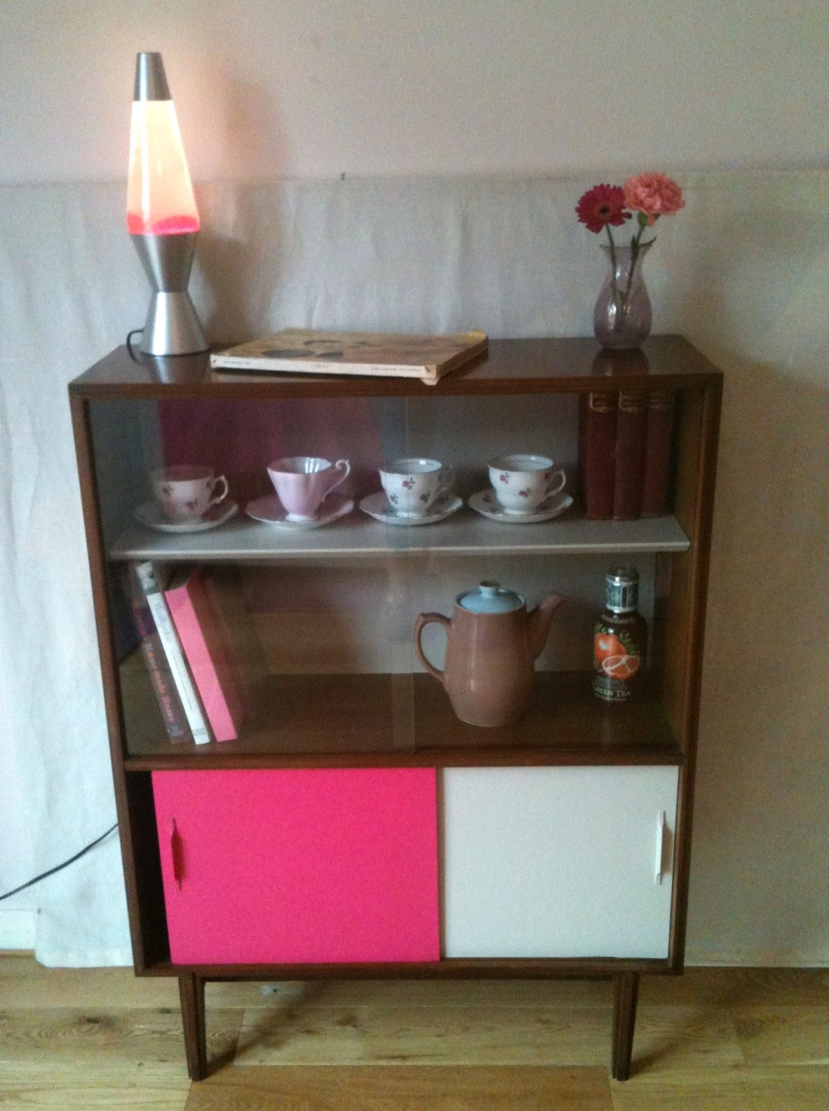BowieBelle Vintage Amp Upcycled Furniture