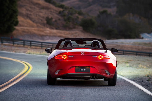 Rear view of 2016 Mazda MX-5 Miata