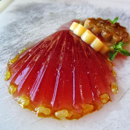 Attimi di dolcezza con la gelatina al brachetto ed il budino pesche e mandorle
