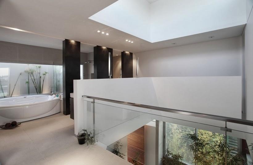 Upper floor in Casa del Cabo by Andres Remy Arquitectos