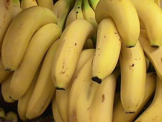 الموز يساعد في علاج حموضة المعدة - حرقة المعدة
