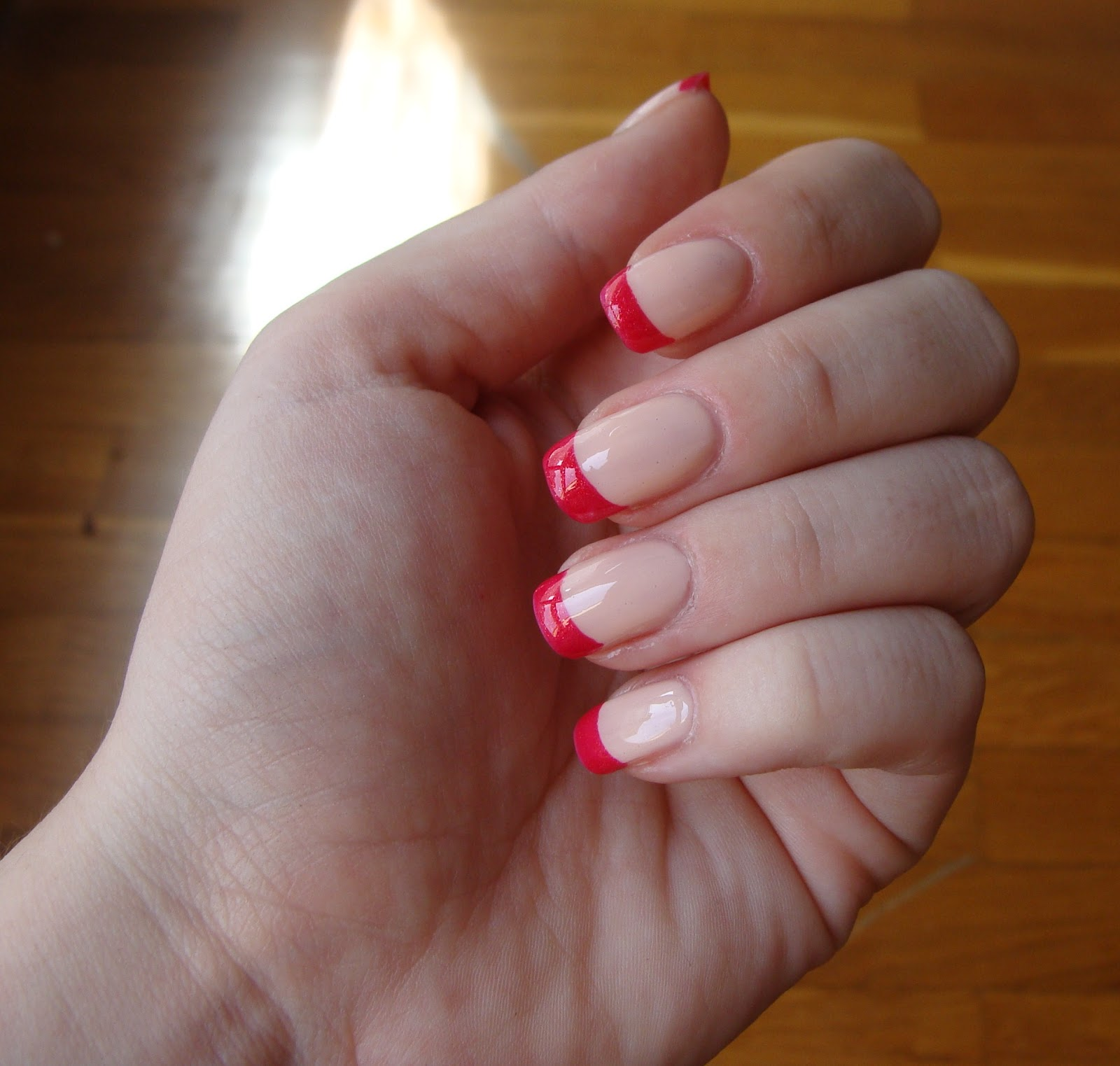 Criminal Nails: Girly french manicure