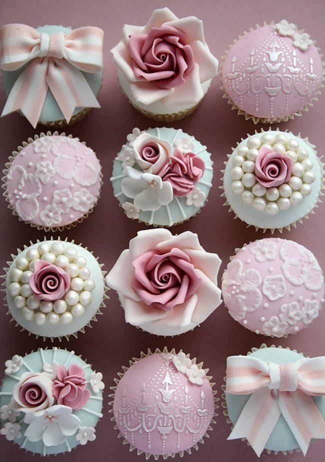 baroque cupcake
