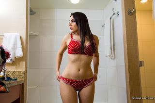普通女性裸体 - rs-New_folder_large_11-783443.jpg