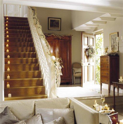 best hoy os traemos una preciosa casa decorada de navidad publicada en la revista el mueble sabemos que sois muchos los seguidores de esta publicacin with