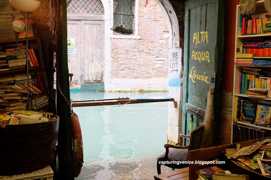 Interior of Liberia Acqua Alta, Castello, Venice capturingvenice.blogspot.com
