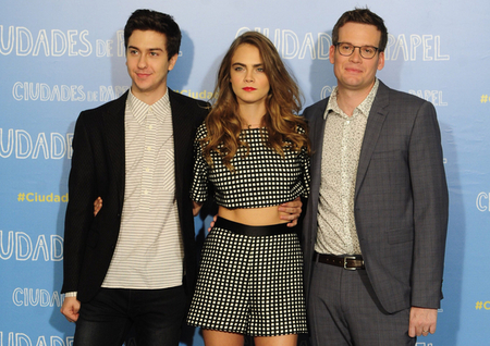 Average socialite meet john green cara delevingne and nat wolff meet john green cara delevingne and nat wolff of paper towns nyc m4hsunfo