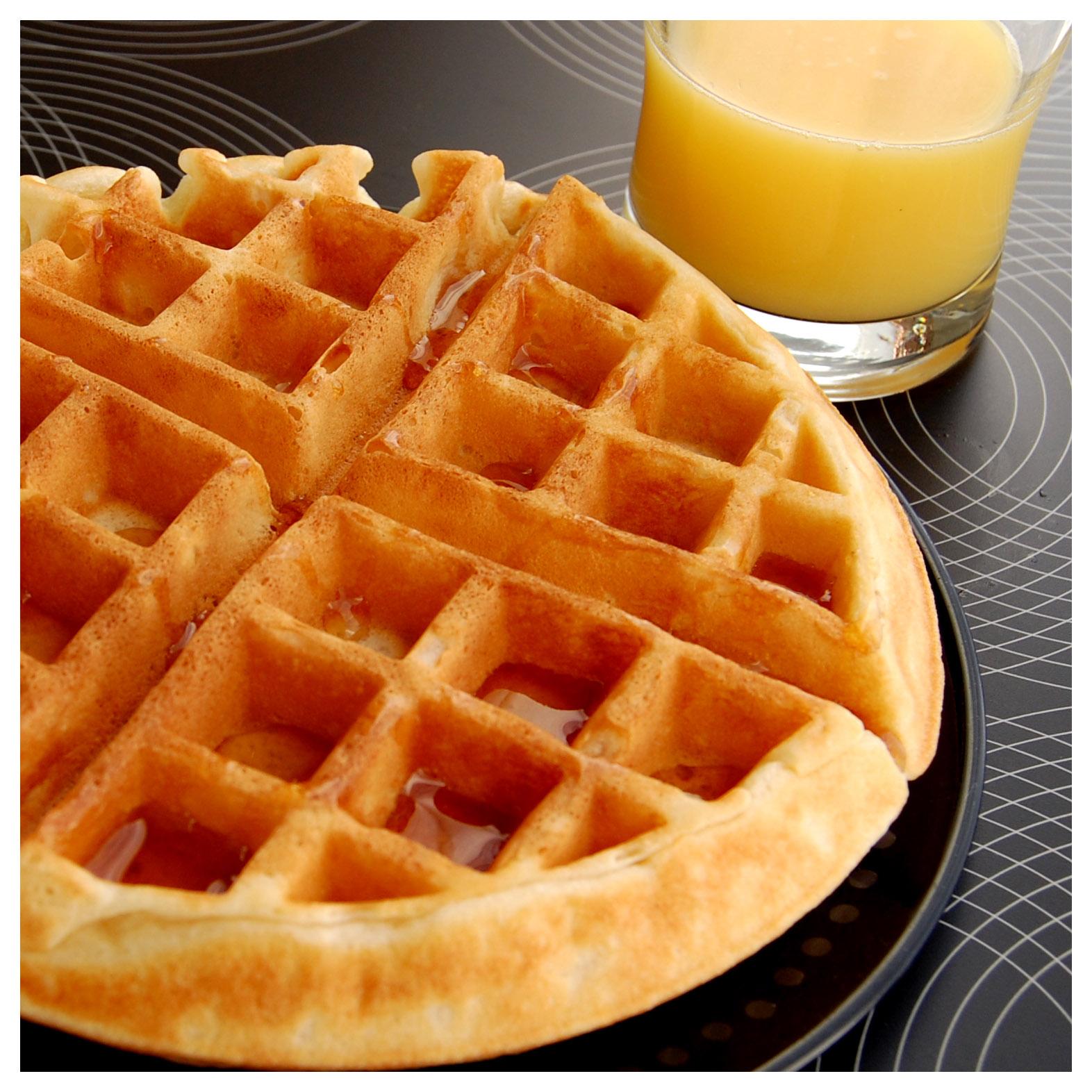 Bourbonnatrix Bakes: holy waffles batman!