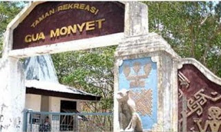 Gua Monyet Alak