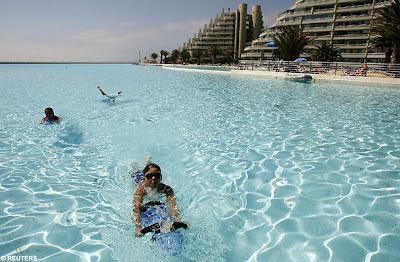 San Alfonso del Mar 92 أكبر و أنقى حمام سباحة في العالم بتكليف خمسة بلاين جنية استرليني  في تشيلي