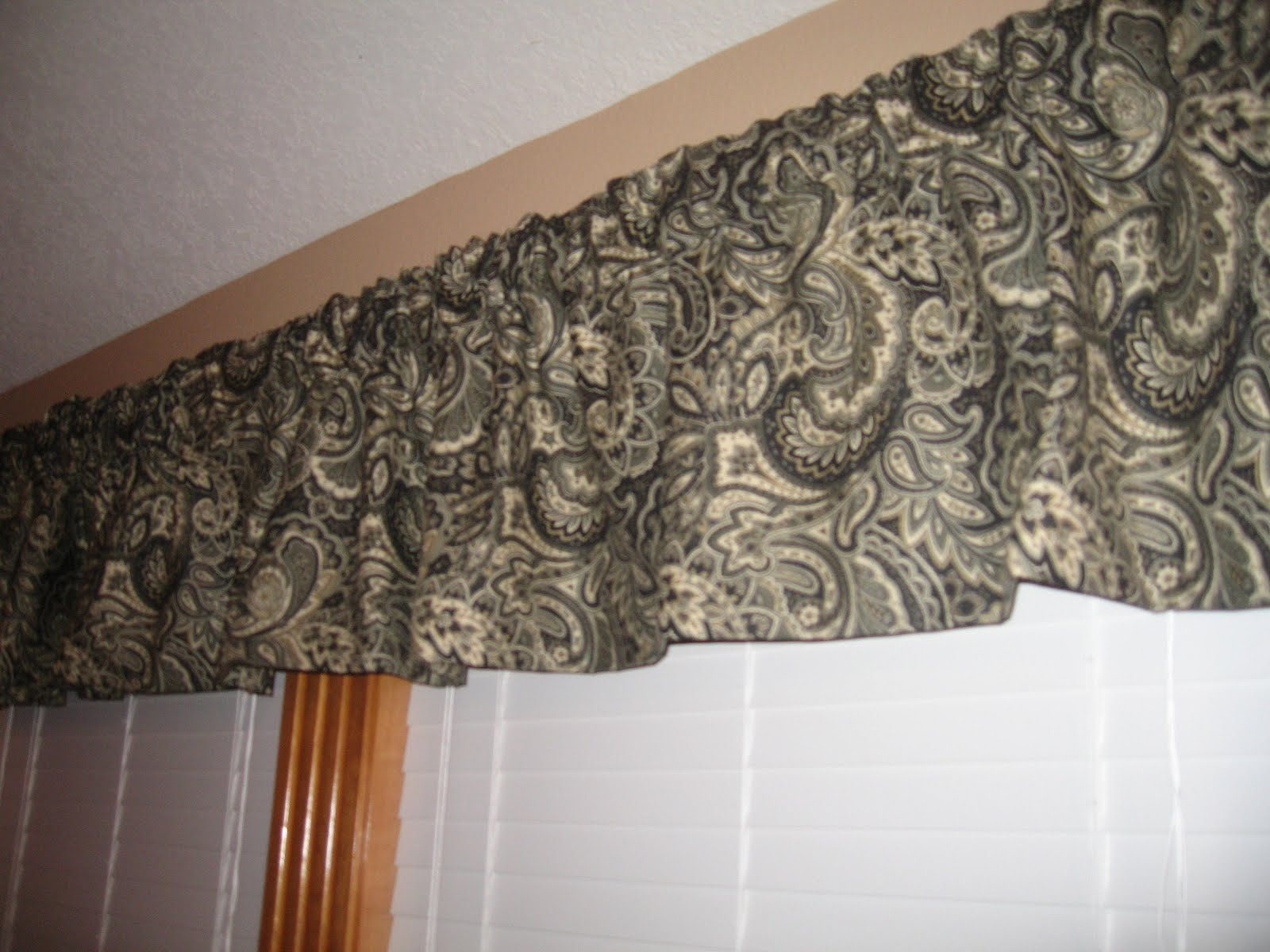 How To Make A Box Pleat Valance How To Work To Work And