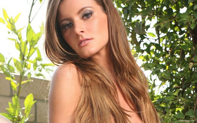 Holly Weber Biography and Photos 2011