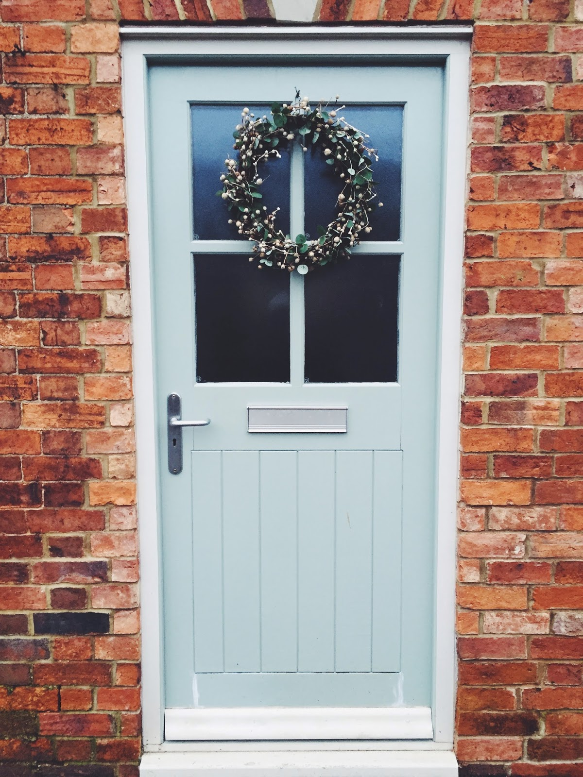wreath door christmas england britain festive
