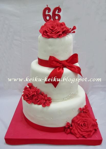 Keiku Cake Red roses 3 tiers white cake