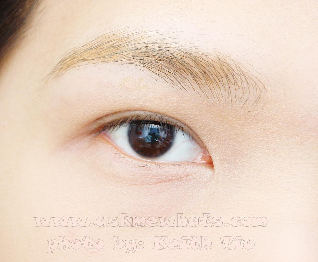 a photo of Naris Up Day Keep 24 Hours Long Lasting Eyebrow Mascara (Shade 01)