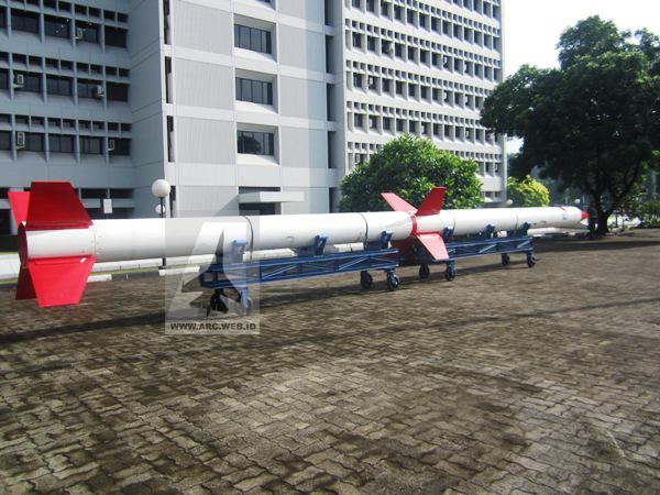 LAPAN Rancang Roket Pembawa Satelit Bisa Terbang Tinggi 260 Km