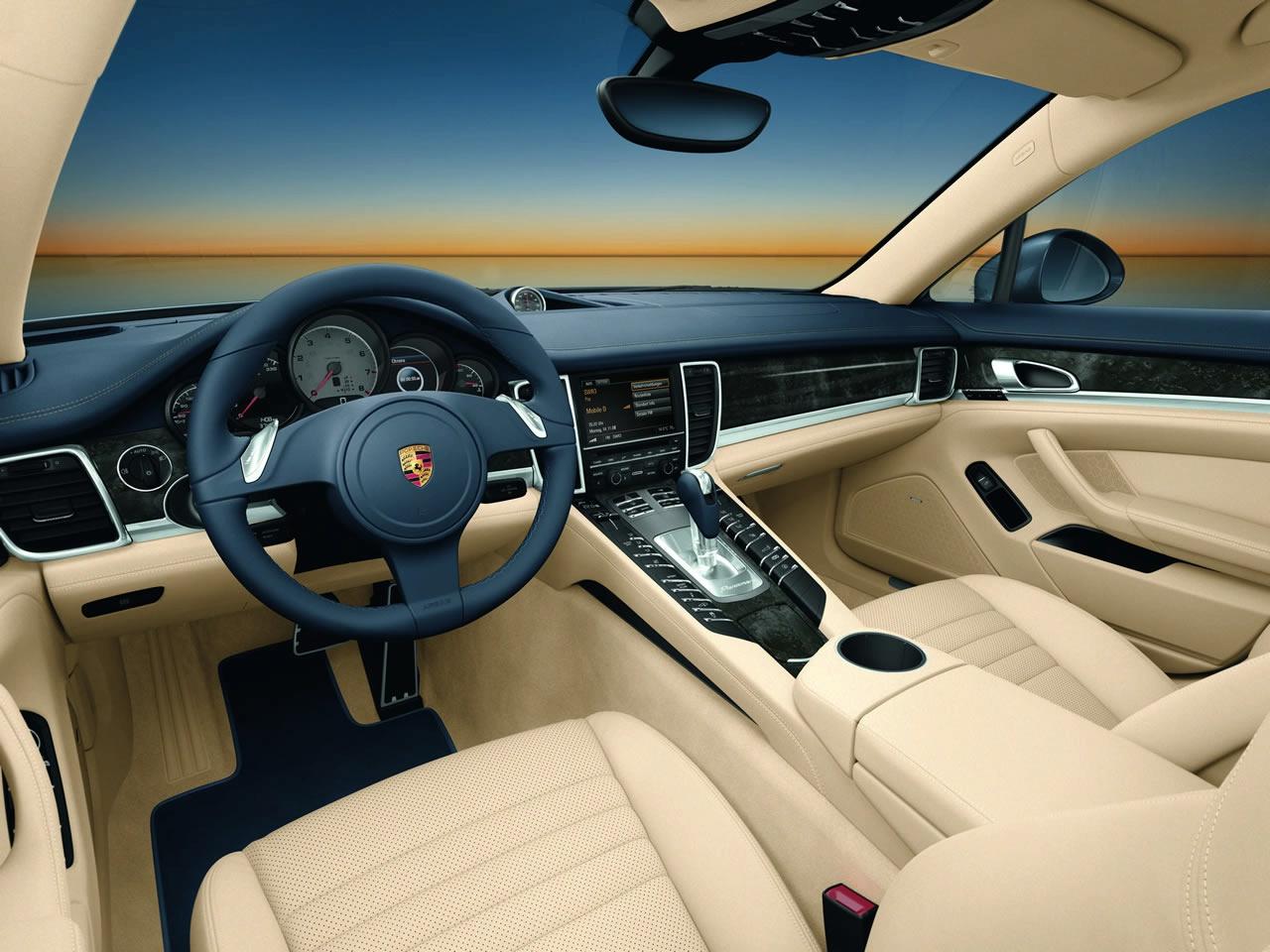 Fast Cars Porsche Panamera Car