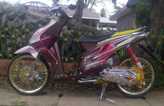 Foto Modif Motor Honda Beat Dengan Pelek 17