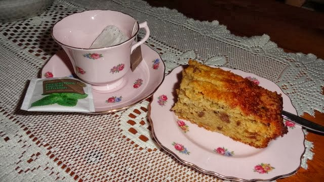 Apple cake and peppermint tea