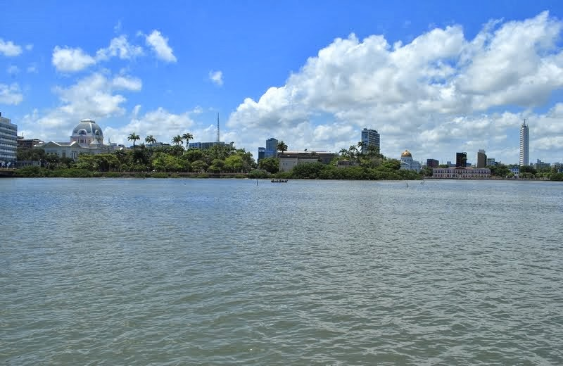 Rio Capibaribe e a Ilha de Antônio Vaz ou Ilha de Santo Antônio