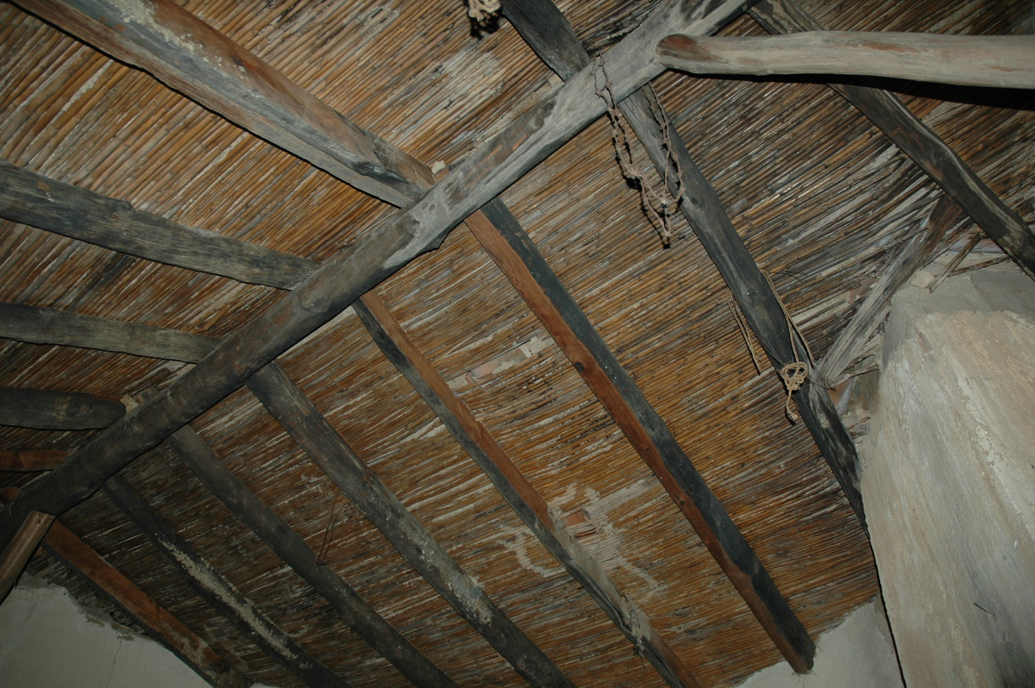 Chozas de c rdoba armaduras de cubiertas for Tejados de madera y canizo