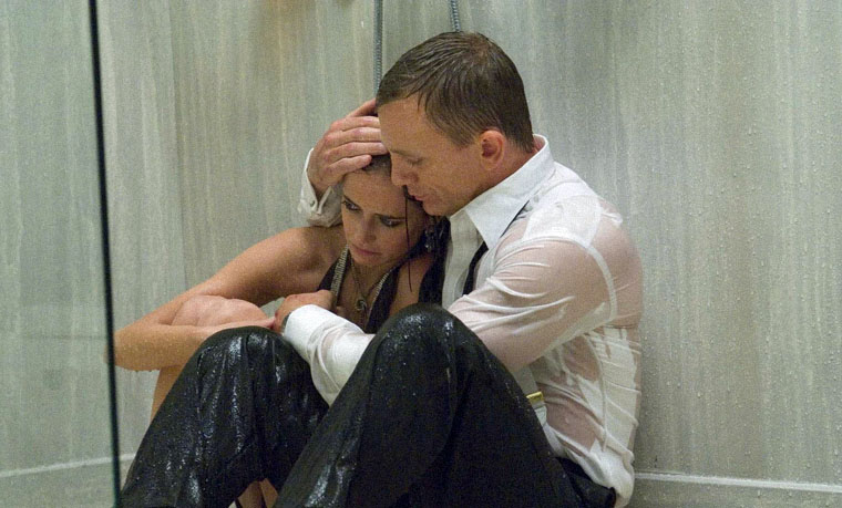 Vesper Lynd (Eva Green) und James Bond (Daniel Craig) in CASINO ROYALE (2006). Quelle: Sony / MGM