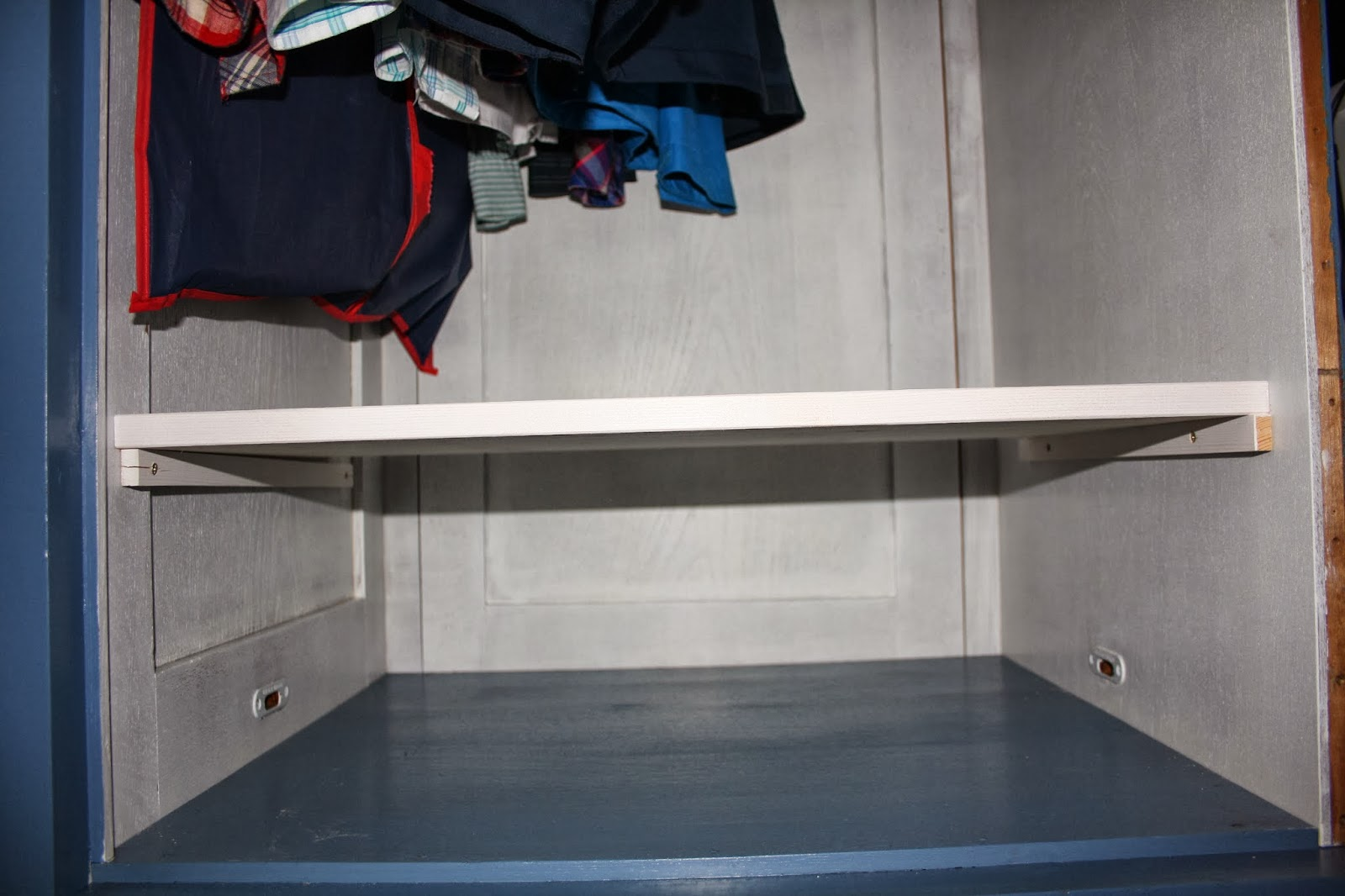 recyceln wir machen wir selbst fifties closet refresh friesenfrische 50er kleiderschrank. Black Bedroom Furniture Sets. Home Design Ideas