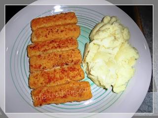 Fischstäbchen mit Kartoffelbrei