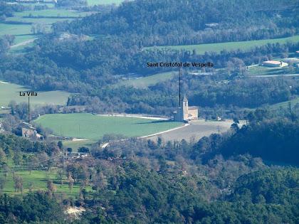 Zoom a l'ermita de Sant Cristòfol de Vespella