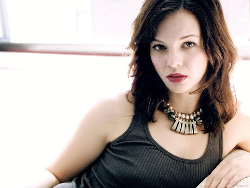 Actress Amber Tamblyn-Hollywood Desktop HD Wallpaper