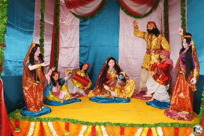 Jagadguru Kripaluji Maharaj's bhakti mandir Krishna Janmashtami 2012 celebrations