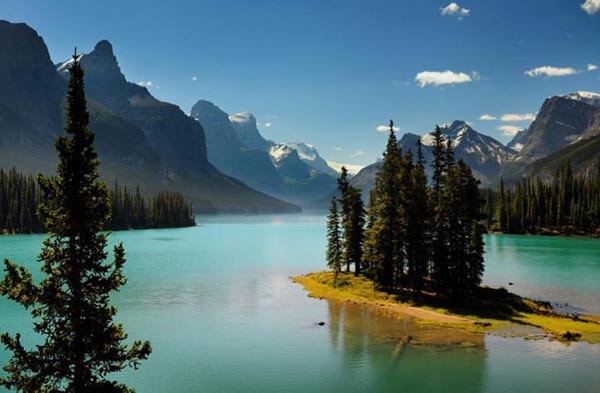 Spirit Island on Maligne Lake in Jasper National Park