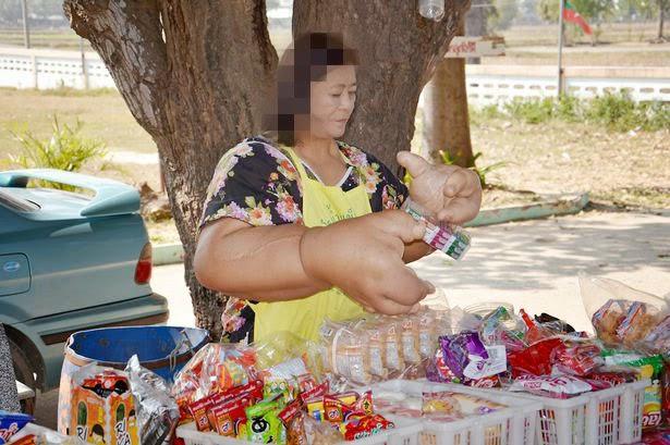 Duangjay-Samaksamam Wanita Thailand ini mempunyai Tangan Terbesar di dunia