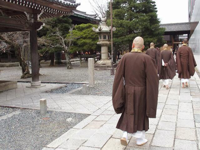 本番さながら、僧侶の皆さんご苦労さんでした。