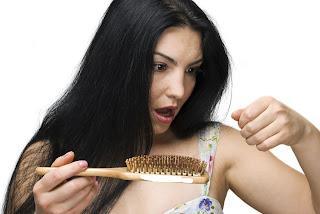 Hal-hal yang Menyebabkan Rambut Rontok