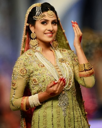 bridal-dress-show
