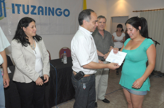 Conurbano zonal oeste ituzaing m s de 130 vecinos for Oficina virtual de formacion profesional para el empleo