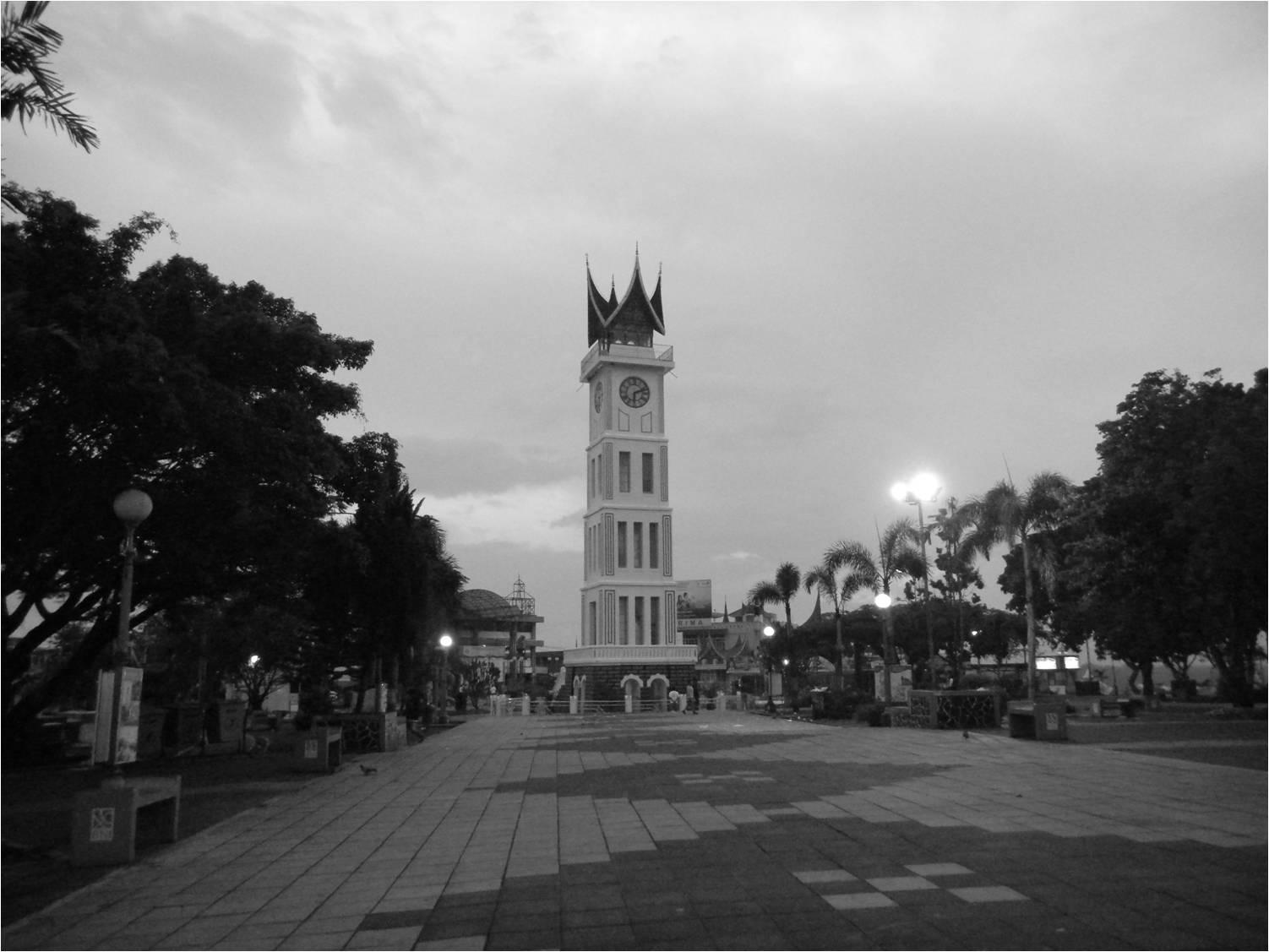 Download this Rumah Adat Indonesia Melayu Selaso Jatuh Kembar Propinsi Riau picture