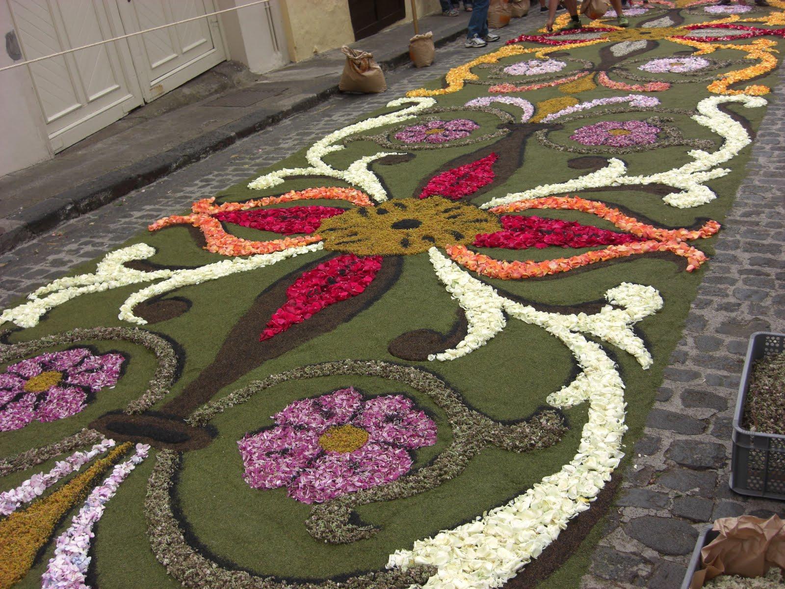 Sweet patchwork alfombras de flores for De que estan hechas las alfombras