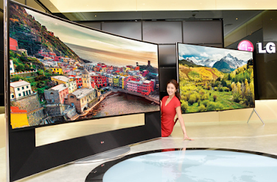 LG 105-inch Curved Ultra HD 105UC9 Television